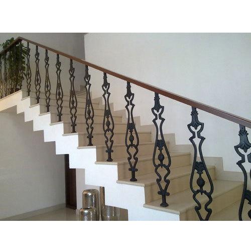 stylish staircase railing 500x500 1